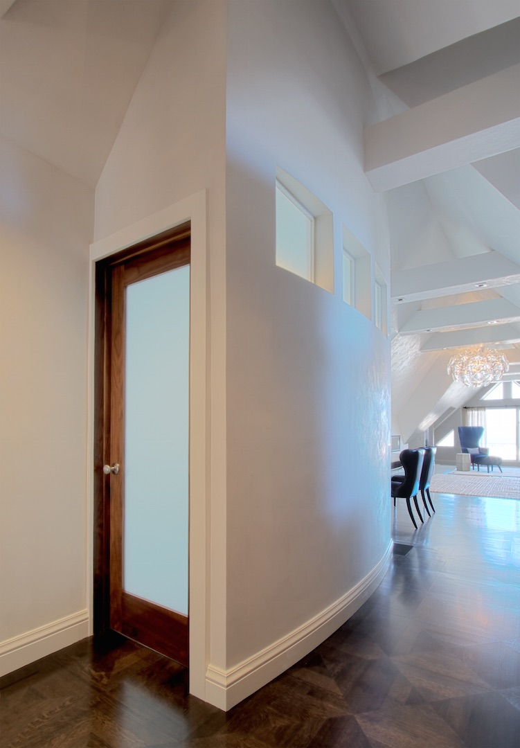 Curved bathroom wall in Pacific Heights penthouse